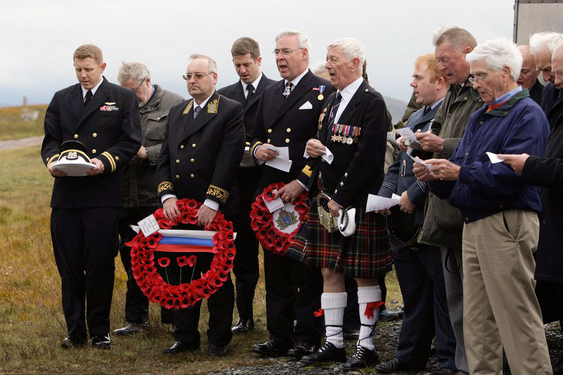 2008-Memorial-service-at-Cove